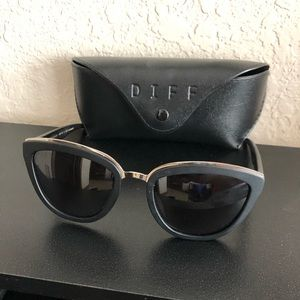 Diff Rose Polarized Sunglasses